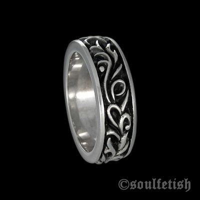 Gothic Floral Band Ring