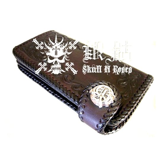 https://www.skullnroses.net/wp-content/uploads/2015/01/black-town-biker-leather-silver-wallet.jpg