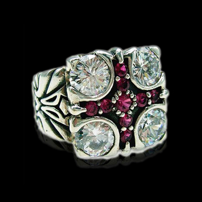 Four Corners Queen Ring