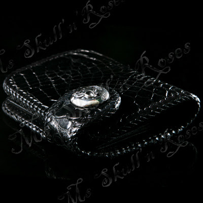http://www.skullnroses.net/wp-content/uploads/2015/01/g-wallet-018-leather-silver.jpg
