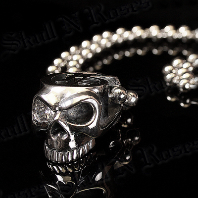 Diamond Eye Skull Necklace