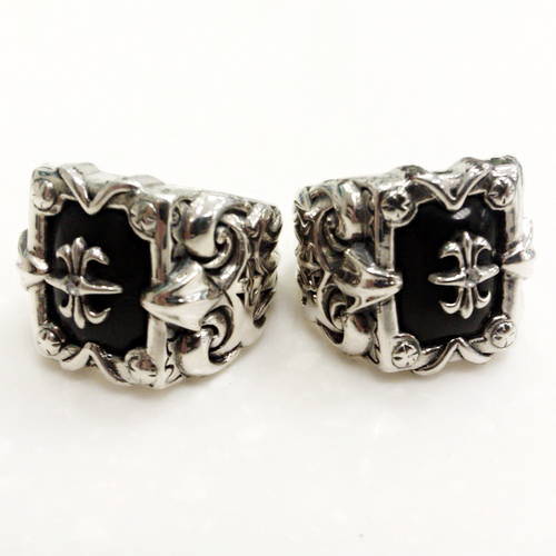 https://www.skullnroses.net/wp-content/uploads/2015/01/titan-black-onyx-rings1.jpg