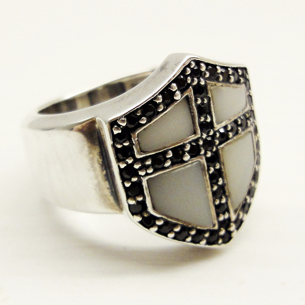 Crusader B/W Shield Ring