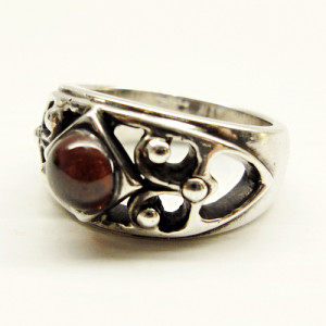 rx-012-cabochon-heart-ring1