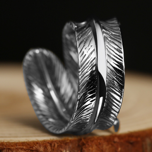 https://www.skullnroses.net/wp-content/uploads/2018/02/vintage-feather-ring-zr-017-2.jpg