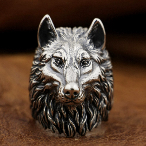 Silver Wolf Statue Ring