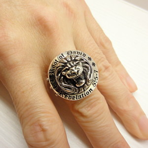 IBJCR-002-root-david-lion-ring-1